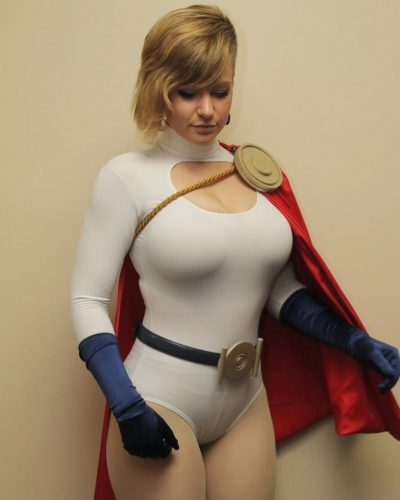 40051117 2145655092422129 67343343444557824 n 400x500 MADISON as Powergirl