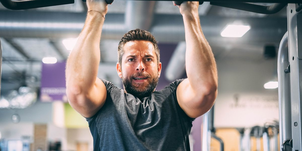 Zachary Levi Can't Believe You Questioned Whether His 'Shazam!' Muscles Were Fake Zachary Levi Can't Believe You Questioned Whether His 'Shazam!' Muscles Were Fake