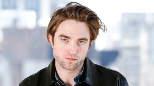 robert pattinson 500x281 Robert Pattinson Is Officially 'The Batman'